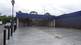 Showroom / Workshop / Parking On Princess Highway