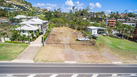 SMALL BOUTIQUE DEVELOPMENT SITE - CLOSE TO AIRLIE MAIN STREET