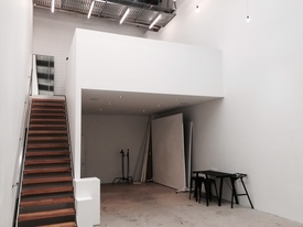 Ground Floor High Clearance Showroom/studio