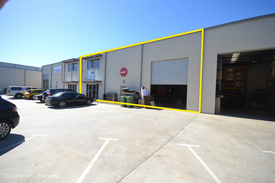 Last remaining officewarehouse for sale in the &x22 Westcapital Commercial Centre &x22