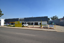 Refurbished Showroom  Offices Located Heart Of Belmont Commercial Precinct