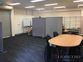 Flexible Small Workspace/hot Desk Lease Options