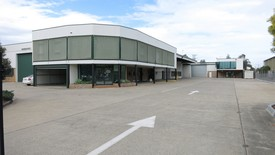 Banyo 5500m² Industrial Facility For Lease