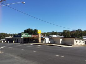 Stunning Freehold Hotel/motel In Mount Morgan