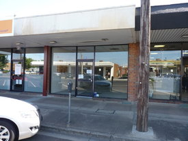 For Lease  -great Exposure - Horsham