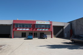 Large Freestanding Industrial/showroom Opportunity
