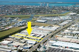 40* Factories - 11,130m2* Development Site With Holding Income - For Sale