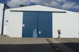 Cheap Rent For Easy Access Workshop / Warehouse