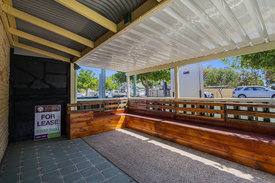 Shop For Lease In Jacobs Well
