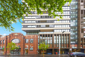 Premium Cbd Restaurant For Lease! Top Quality Fitout In Place!