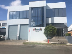 Stunning Freestanding Office/warehouse For Lease