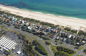 2231ds - Development Opportunity Walk To Coolangatta Airport