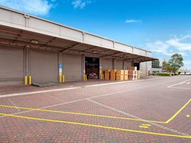Warehouse And Office Space In Banksmeadow !