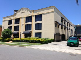 Solid Warehouse/offices In The Centre Of Southport Cbd