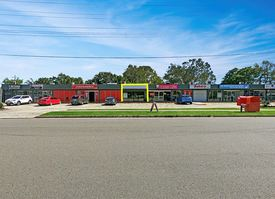 Retail Opportunity In Freshly Renovated Complex