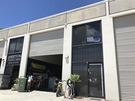 Under $300,000 - Great Little Industrial Unit