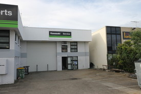 207m2 Industrial Warehouse With Office