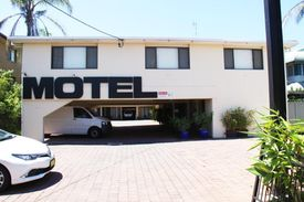 2263ml - Fantastic Motel Lease Opposite The Gold Coast Airport