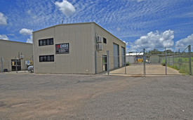 Free Standing Strata Warehouse  353 M² Hardstand