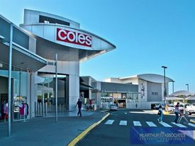 Foot Traffic Focus !! - Iconic Shopping Centre Leases