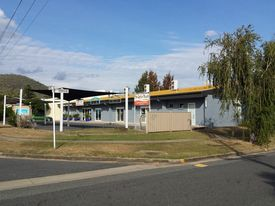 Cheap Shop/office Rockhampton With Fantastic Under Cover Parking