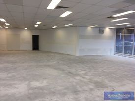 210m2 Office / Retail Space Adjoining Kfc!