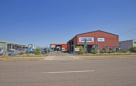 Warehouse 375 M2 With Street Frontage