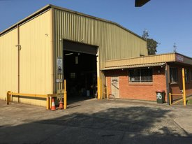Potential To Develop With Large Hardstand & A Great, High Clearance Factory!!