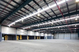 High Clearance Warehouse & Office 2,555sqm