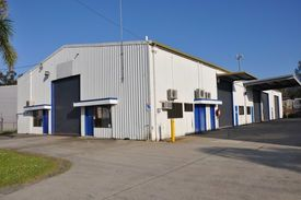 770m2 Industrial Building Plus Mezznine Office And Lunchroom - Central Coffs Harbour Nsw