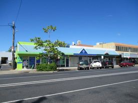 Double Fronted Shop/office Opposite Woolworths – 90m2