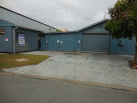 WORKSHOP & LOCKABLE FENCED YARD WITH FLEXIBLE LEASE TERM PETRIE