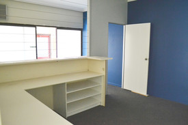 Fitted Out Retail / Office Suite
