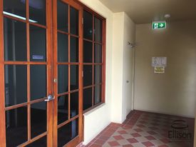 1st Floor Office - 89 Sqm* - Lift Access
