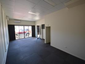 Road Front, Ground Floor Office - Popular Curr Ck Rd Location