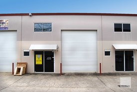 Compact, High Clearance, Clean  Tidy Industrial Shed | Kunda Park