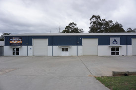 Industrial/ Commercial Unit For Lease