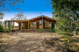 Privacy And Lifestyle With 15 Acres Close To Toowoomba