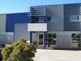 For Lease: 350sqm* Tingalpa Office / Showroom / Warehouse