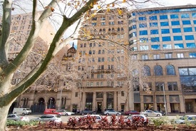 Small Suite In Prestigious Cbd Building - Hyde Park Views