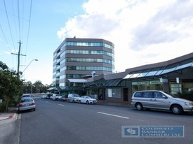Corporate Office/retail Space In Growing Springwood