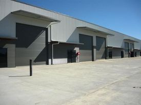 Showroom Sales Or Industrial Services - 220 M2