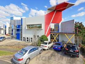 640sqm* High Quality Hendra Office  Warehouse