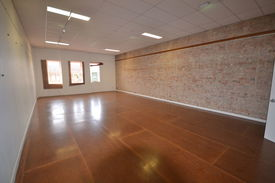 Large Upstairs Office / Retail Tenancy