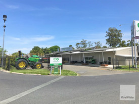 Stand Alone Showroom/warehouse In Morayfield Cbd