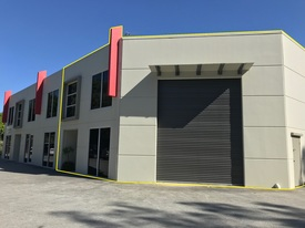 150sqm Showroom Warehouse With 40sqm Office