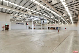 LOGAN CENTRAL, 2200m2 Retail show room for lease