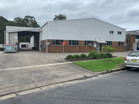 High Clearance Warehouse/office Building In As New Condition – 1,229m2