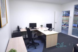 Spacious Office | Cafes And Shops Nearby | Nearby Public Transport