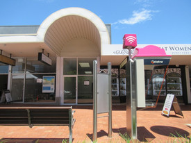 Double Shopfront To Busy Harbour Drive - 88m2